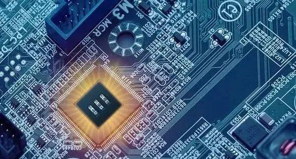 TensorFlow技术主管Peter Wardan:机器学习的未来是小而美