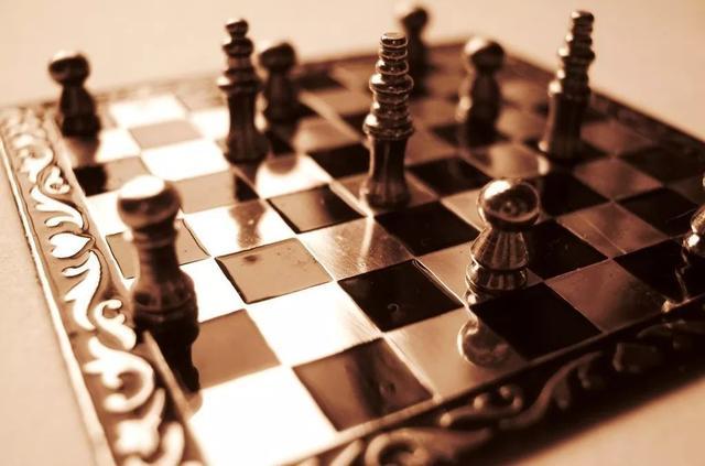 """无需大量算力训练,通过""""读""""解说员的评论,AI也能学会国际象棋"""